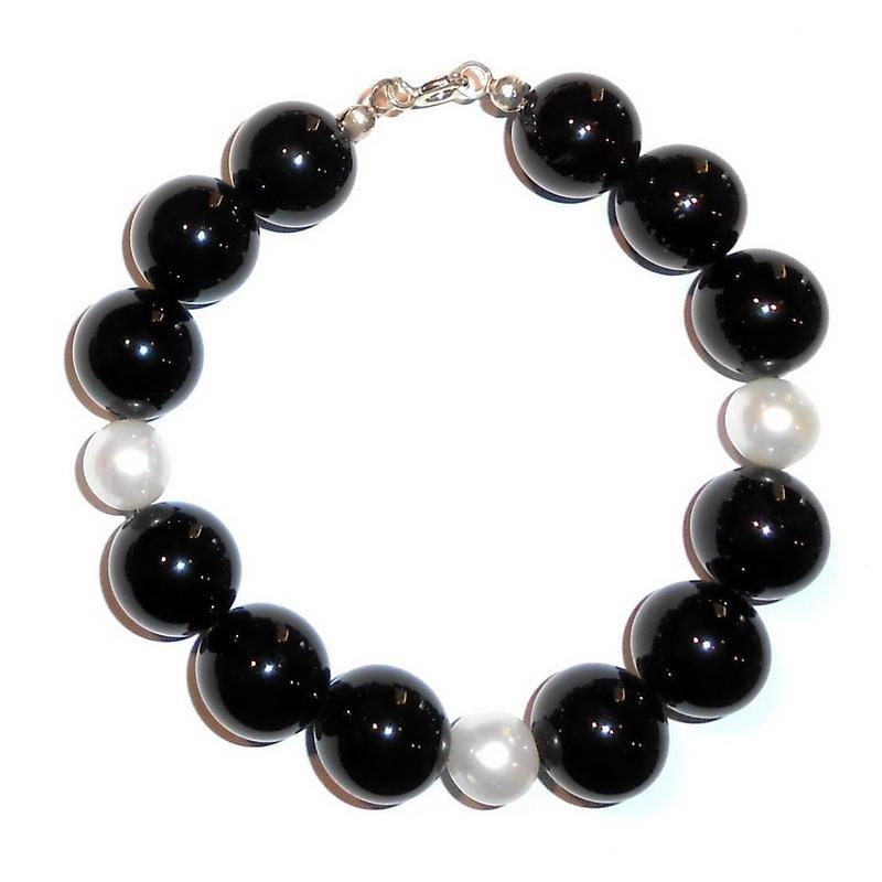Pulsera de Ónix y Perlas Blancas Mujer CR209 - Crivelli Shopping 679a143085b